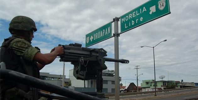 Se puede apreciar que en las diferentes calles de la ciudad, los elementos de la Policía Federal se encuentran asegurados con equipos antimotines para intervenir en caso de un zafarrancho y evitar enfrentamientos