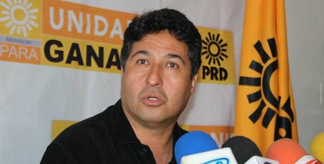El voto a favor de los diputados federales perredistas logró que se cobre más a quienes más ingresan y menos a quienes menos ingresan: Báez Ceja