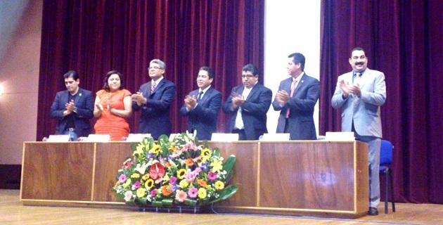 Este Congreso que va dirigido a estudiantes de Derecho, es realizado por la organización estudiantil Federación Nicolaita Universitaria Democrática (FNUD), en coordinación con la Facultad de Derecho de la Universidad Michoacana