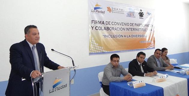 Cornejo Martínez señaló que gracias al esfuerzo coordinado entre las diferentes dependencias de los gobiernos federal y estatal, ahora los invidentes pueden contar con un documento que avale sus capacidades laborales