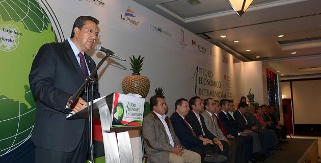 Es un parteaguas en la forma de gobernar que nueve municipios, que además tienen gran importancia en el desarrollo de la entidad sumen voluntades para compartir experiencias de éxito, señaló Lázaro Medina