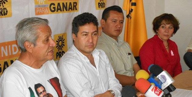 La dirigencia estatal perredista ofreció una rueda de prensa conjunta con el coordinador de la Alianza Binacional Braceroproa, Ventura Gutiérrez