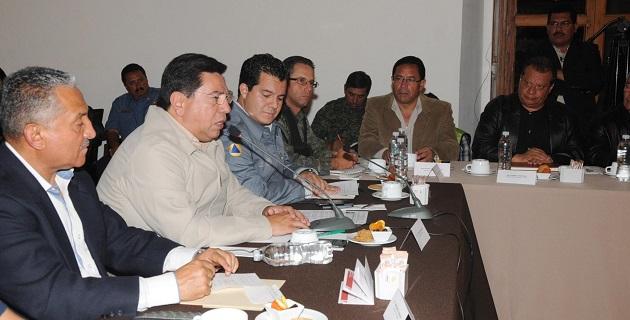 Este domingo el gobernador Jesús Reyna presidió la sesión extraordinaria del Consejo Estatal de Protección Civil, en que también asistió el director general de PC Nacional, Ricardo de la Cruz