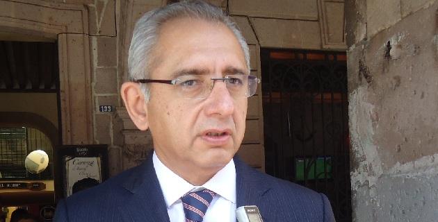 Al comisionado Castillo Cervantes, el senador Vega Casillas lo exhortó a vigilar quelas fuerzas armadas no violenten los derechos de los michoacanos