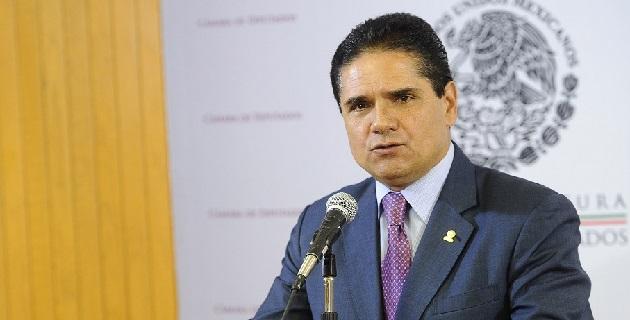 Aureoles Conejo consideró que el diputado panista, Jorge Luis Preciado, no conoce al estado ni el tamaño del conflicto, por lo que no comparte su postura de hacer renunciar al gobernador