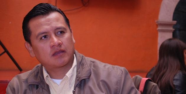 Las renovaciones deben sujetarse al respeto institucional de sus normas más que a consideraciones de grupo, señaló Carlos Torres