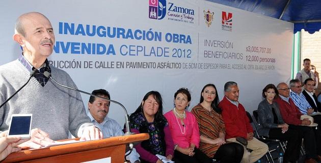 Vallejo Figueroa fue acompañado en su gira de trabajo por la presidenta municipal, Rosa Hilda Abascal