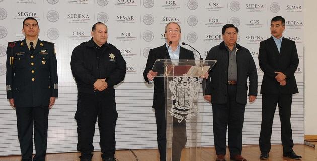 Acompañado por el secretario de Gobierno, Jesús Reyna García, Rubido García confirmó la detención de 38 personas, de las cuales 3 han sido puestas a disposición de la SEIDO