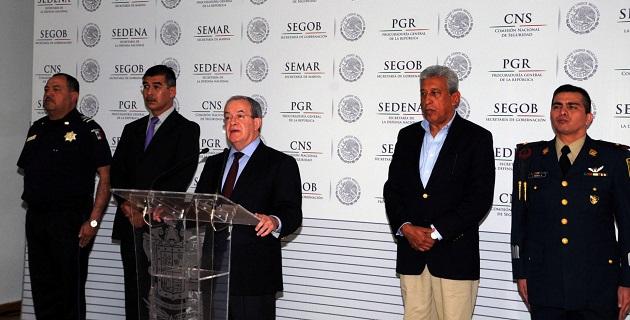 Rubido García fue acompañado en esta ocasión en la rueda de prensa por el subsecretario de Gobernación de Michoacán, Fernando Cano
