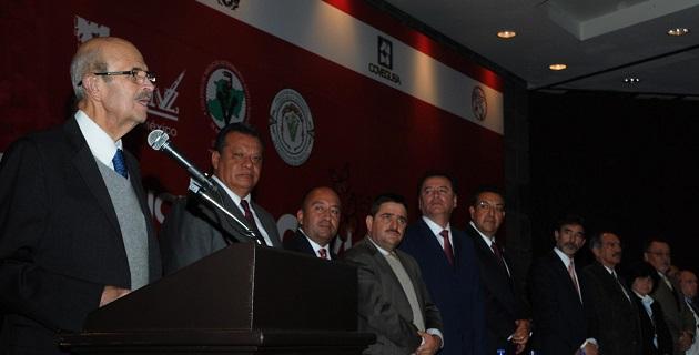 Michoacán empieza a ver por primera vez -en muchos lustros- contundencia de la Federación con el estado que brinda agua, electricidad, productos agropecuarios a la Nación, apuntó el mandatario estatal