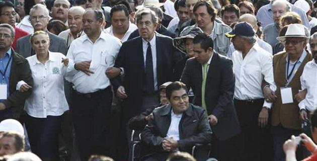 Cabe mencionar que Cárdenas envió una carta a Andrés Manuel López Obrador invitándolo a la marcha y éste respondió que no asistiría por que se encontraba de gira
