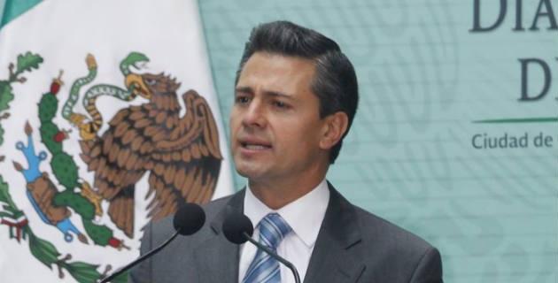 Michoacán representa ésa entrada a la oportunidad o debacle del Estado Mexicano, pues Michoacán y la clase política de todo el país, está bajo la lupa del mundo entero…y de Dios