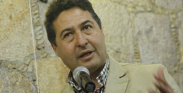 Báez Ceja asegura que en las administraciones perredistas se gobernaba con dignidad, con decisión y con entereza, pese a las presiones de la Federación
