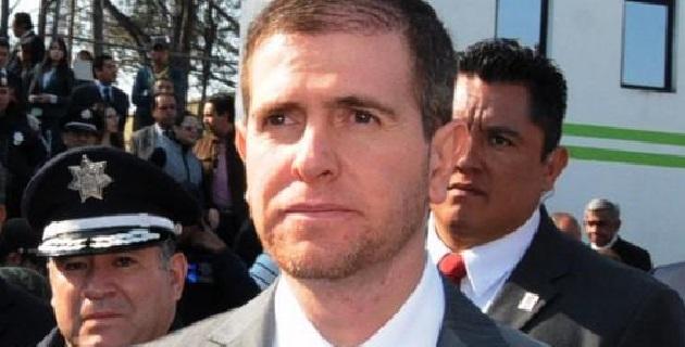 Respecto a los policías municipales michoacanos que iniciaron su adiestramiento militar tras ser relevados por elementos federales, Castillo Cervantes informó que algunos han manifestado sus intenciones de desertar