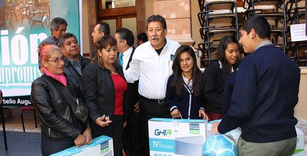 El representante popular hizo un llamado a unir esfuerzos en beneficio de las y los niños de Michoacán