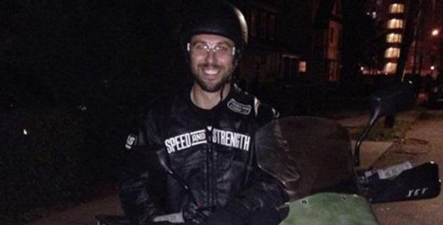 Devert, de 32 años de edad, se proponía cruzar México a bordo de su motocicleta Kawasaki -color verde, placas NY67SD67- para llegar a Ixtapa-Zihuatanejo