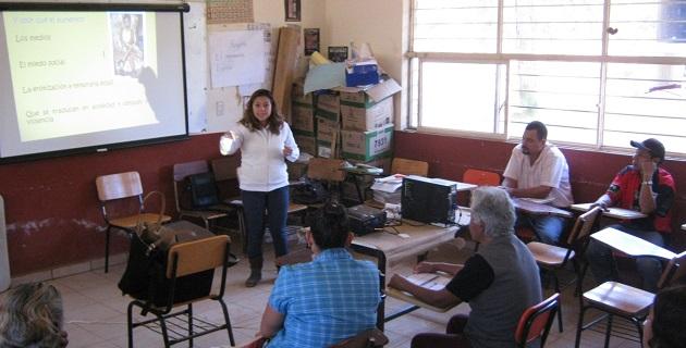 Las pláticas de orientación se imparten como parte de la estrategia del gobierno municipal del alcalde Aldo Macías