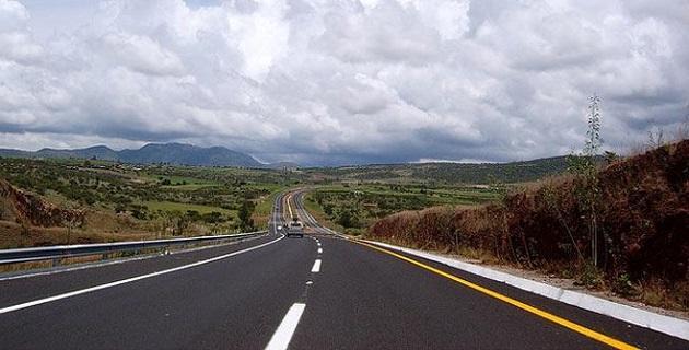 Asimismo, se anunció la modernización del libramiento norte de Morelia, en sus tramos de las salidas a Salamanca y Quiroga
