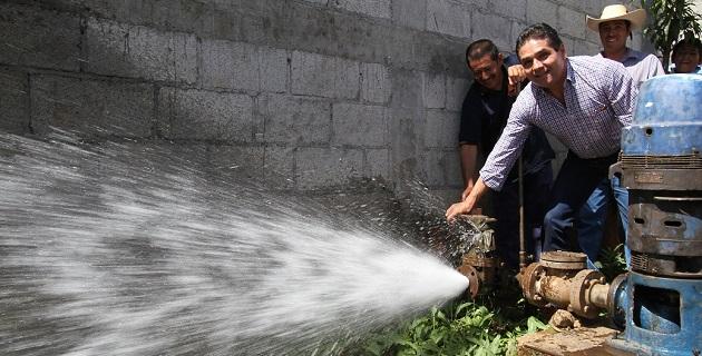 Después de escuchar las demandas de la gente de la Tenencia de Zirahuato, el diputado federal se comprometió a apoyar con el proyecto del entubado del agua de la presa