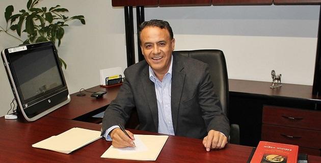 El perredismo en su conjunto debe cerrar filas en torno al objetivo más importante, recuperar la gubernatura en 2015, señaló Sigala Páez