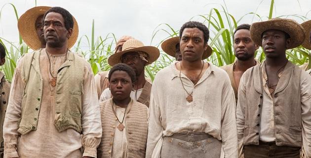 """La película se cuelga la etiqueta de """"basada en una historia real"""", ya que cuenta el calvario que debió soportar Solomon Northup, un afroamericano neoyorquino que fue secuestrado para ser vendido como esclavo a mediados del siglo XIX"""