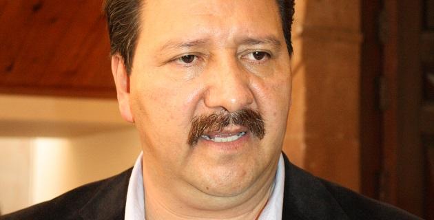 Reginaldo Sandoval expresó que dicho compromiso fue adquirido en Puebla en la reunión de la Comisión Nacional de Gobernadores y que está siendo ejecutada sin miramientos por la derecha compuesta por PAN y PRI