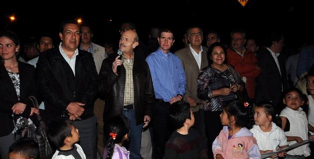 A la inauguración asistieron también el comisionado nacional, Alfredo Castillo, y la senadora Rocío Pineda