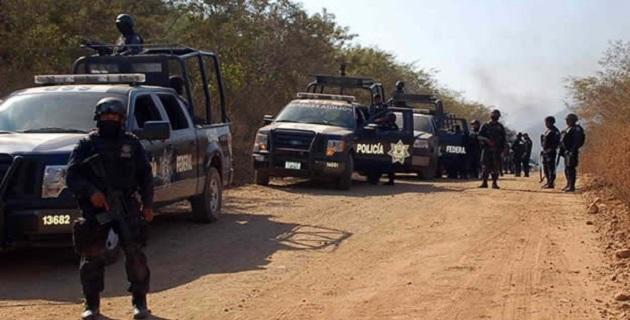 Al momento de su captura en Las Tinajas, el presunto responsable viajaba a bordo de una camioneta, modelo 2014, en la que se encontró un arma larga con 29 cartuchos y un cargador con 30 cartuchos útiles