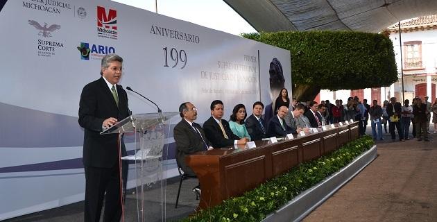 Al evento, realizado en Ario de Rosales, acudieron magistrados del Supremo Tribunal de Justicia, Consejeros del Poder Judicial, diputados locales y federales, entre otras personalidades