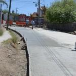 Lázaro Medina afirmó que con recursos que ascienden a los 4.7.mdp, aportados en su totalidad por el gobierno municipal, se realizan trabajos de colocación de drenaje pluvial y sanitario, de cunetas, banquetas y un camellón