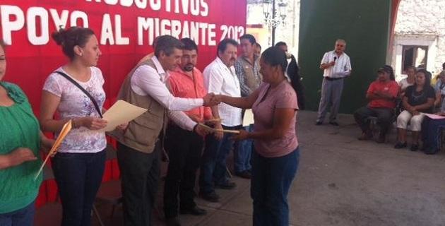 Luis Carlos Chávez Santacruz, titular de la Semigrante, expresó que en el ánimo de ayudar a los connacionales y a sus familias a que mejoren su calidad de vida, se entregaron en una sola emisión los recursos a las familias