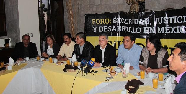 Uriel López, Antonio Lagunas, Osvaldo Ruiz, Virginia Cendón, Ubaldo Posadas, Verónica Naranjo, Heriberto Lugo y Lourdes Mendiola hicieron el anuncio