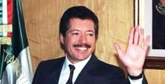 No menos doloroso es el asesinato de alcaldes michoacanos; no se termina un año de la ejecución del presidente municipal de Santa Ana Maya cuando el sábado es asesinado el munícipe de Tanhuato Gustavo Garibay