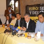 Sólo si abordamos los asuntos que más afectan a la sociedad desde un enfoque de conocimiento podremos estar encontrando soluciones, señaló López Paredes
