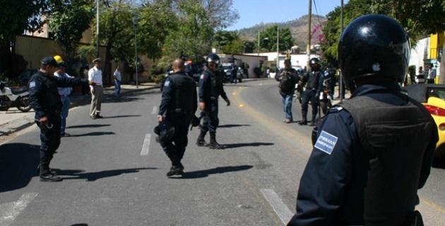 La Secretaría de Seguridad Pública en el Estado informó que por estos hechos resultaron heridos tres civiles, quienes fueron canalizados para recibir atención médica