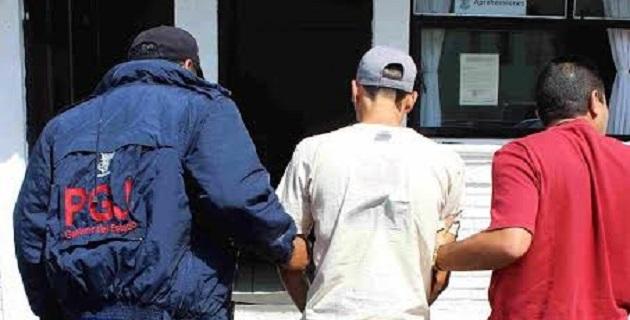 Las tres personas fueron puestas a disposición del juez correspondiente, quien tendrá que determinar su situación jurídica