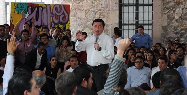 Se creará un espacio específico para atender todas las propuestas de los jóvenes con sede en cada una de las regiones; se reactivará el proyecto para hacer de Morelia la Ciudad del Conocimiento