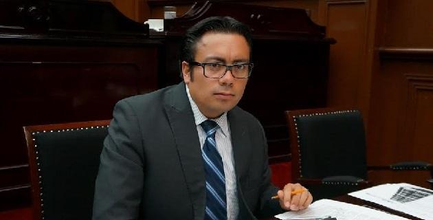 Por ley, anualmente el Congreso del Estado procederá a organizar el Parlamento Juvenil del Estado de Michoacán