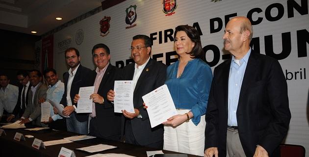 Pronto habrá más y mejores inversiones en Michoacán, lo que se traducirá en nuevos empleos y mayor certidumbre para la economía familiar, afirmó el mandatario estatal