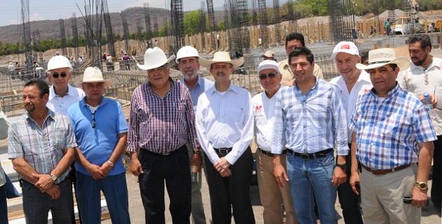 Este nosocomio tendrá un alcance regional y estará listo en el mes de octubre, confirma Vallejo Figueroa