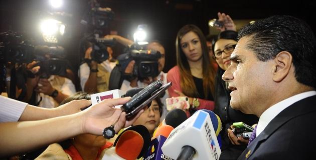 También apuntó que los gobiernos deben garantizar la libertad de prensa sin censura alguna, no sólo a los periodistas como individuos, sino también a los medios de comunicación a quienes de ninguna manera se debe censurar
