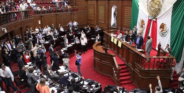 Por lo que ve al tema de candidaturas independientes, la iniciativa recoge el espíritu de la legislación secundaria local que se aprobó en el mes de junio del año 2013