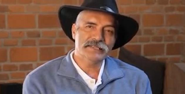 """""""Quiero mandarle un mensaje a Enrique Peña Nieto de que no es con discursos ni con aplausos ni con sus mensajes en los medios de comunicación como nos va quitar el dolor que traemos en el corazón los verdaderos autodefensas"""", expresó"""