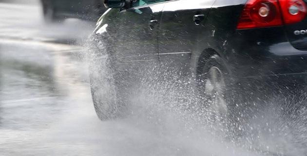 En el interior del Estado como en la capital michoacana se presentan encharcamientos, anulando -por el momento- la posibilidad de inundaciones
