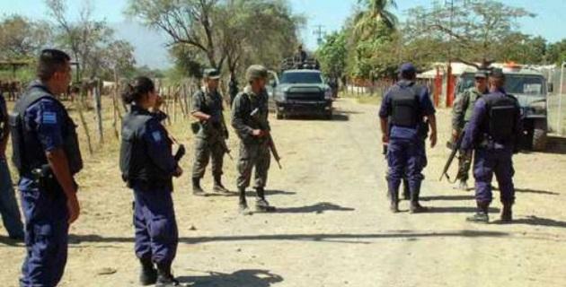 Al lugar arribó personal castrense para apoyar a la policía de la Secretaría de Seguridad Pública y de la PGJE, para finalmente trasladar el cuerpo a la ciudad de Morelia