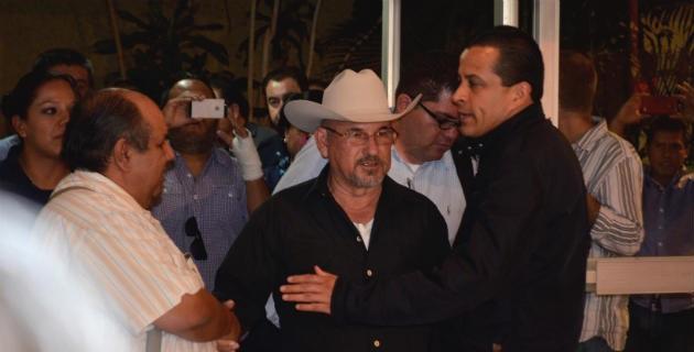 De acuerdo con su abogado, Eduardo Quintero, el fundador de las autodefensas se reintegrará a la lucha y defensa de su pueblo, lo cual puede buscar que sea por la vía legal o política
