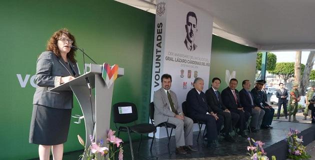 Guadalupe Estrada Lepe, directora del Instituto Politécnico Nacional en Morelia, fue la encargada de dar el discurso oficial en el que resaltó la imagen de quien fundó esta institución educativa