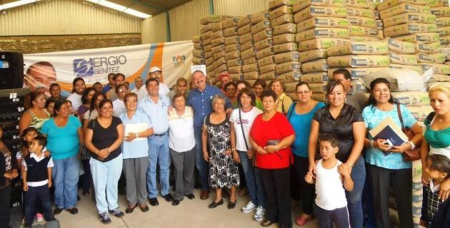 Benítez Suárez entregó material de construcción para mejorar planteles escolares y optimizar el desempeño de los estudiantes