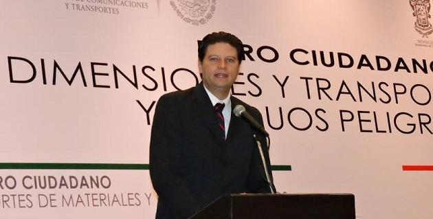 Martínez Alcázar señaló que las autoridades no han dado la importancia debida al problema y se han limitado a tratar de resolver el tema de la vialidad