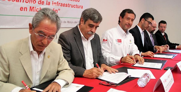 """""""Se está firmando el fututo de Michoacán"""", aseguró el presidente de la Cámara Nacional de la Industria de la Construcción (CMIC) delegación Michoacán, Francisco Gallo Palmer"""